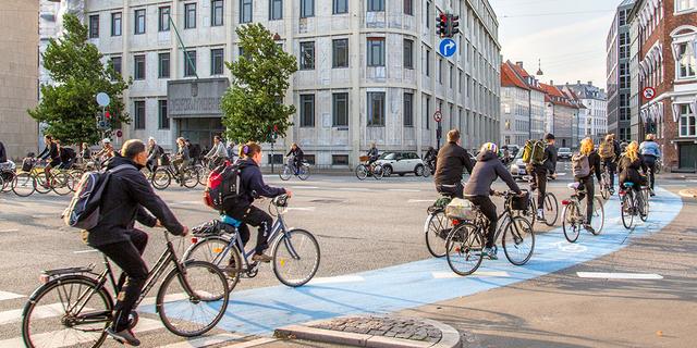 Bisikletle işe gidip gelenlerin sayısı her gün artıyor