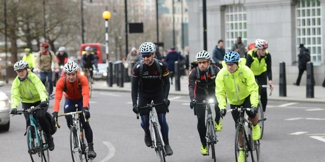 Aynı güzergahta başka bisikletli çalışanlar varsa birlikte tempo yapabilirsiniz