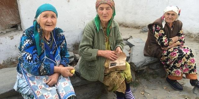 """""""Yaşlı bir kadının yaptığı yemeği ye ve asla pişman olma"""""""