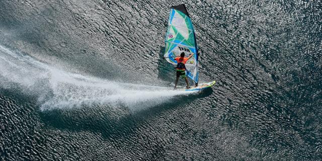 Sörfün, yelkencilikle kesiştiği spor: