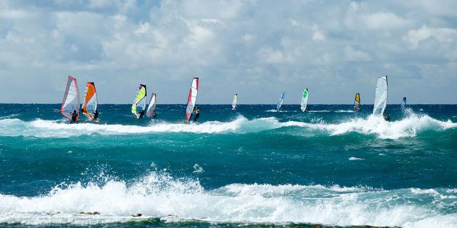Windsurf bir grup aktivitesi de olabilir.