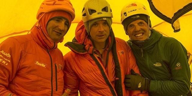 Şerpalar, tırmanışçıları çığa sebep olmakla suçladı