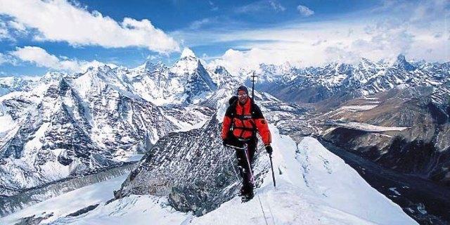 """""""Ahmet Şahin @ Everest'in Zirvesi / 6 kişi ile birlikte"""""""