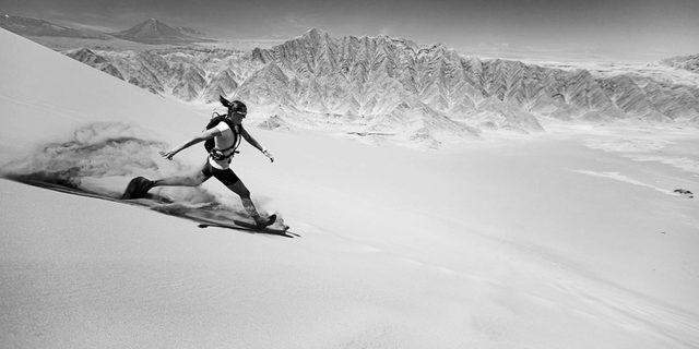 Çöl kraliçesi Jax Mariash Koudele