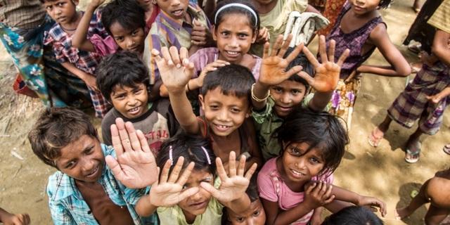Myanmar'daki çocuklar için kötü günler elbette birkaç kaykay pisti ile son bulmayacak.