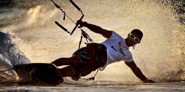 Karşınızda kitesurf'e adanmış hayatıyla: