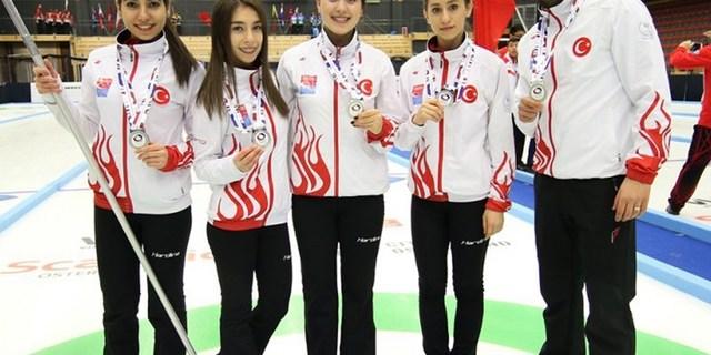Genç curling yıldızlarımız