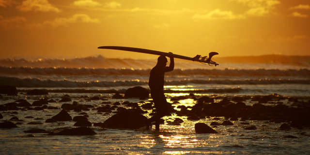 Kışın sörf yapmak bir başka...