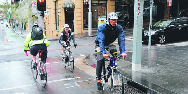 Kırmızı ışık bisikletçiler için de yanıyor ama…