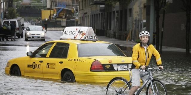 Bazıları sadece bisikletlerini alır ve çıkar