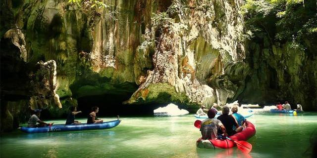 Mağarayı gezerken boynunuz tutulabilir!