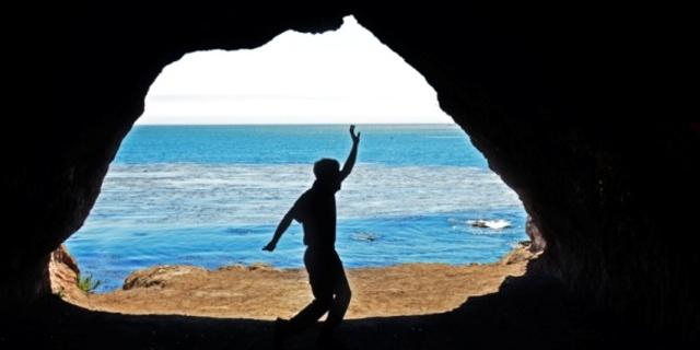 Avila mağaralarına kayık turlarıyla ulaşılıyor