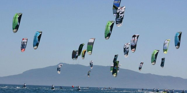 Adrenalin dozu yükseltilmiş alternatif: Kiteboarding