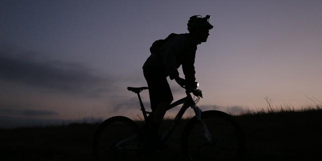 Sabah ya da akşam karanlığında da bisiklete binilir