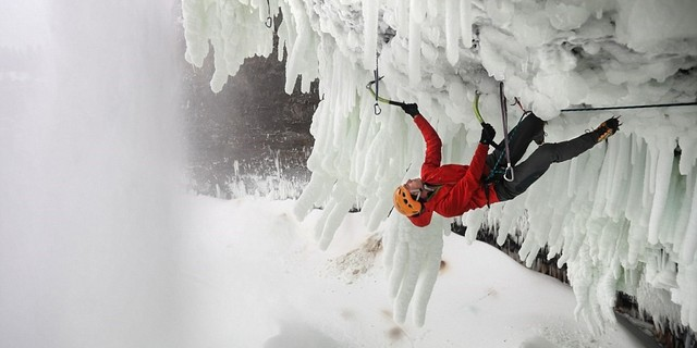 Dünyanın en zorlu buz tırmanışı Helmcken