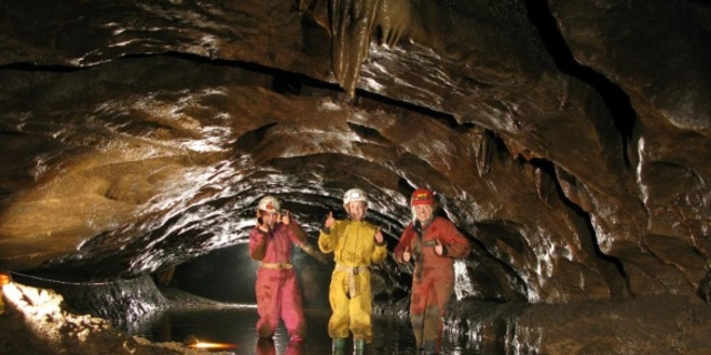 İyi anlaşan bir ekiple mağaracılık yapın