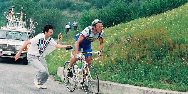 """Koskoca """"Profesör"""" Laurent Fignon'u böyle giydirirseniz…"""