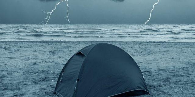 Böyle bir fırtınada tek başına olmak mı?