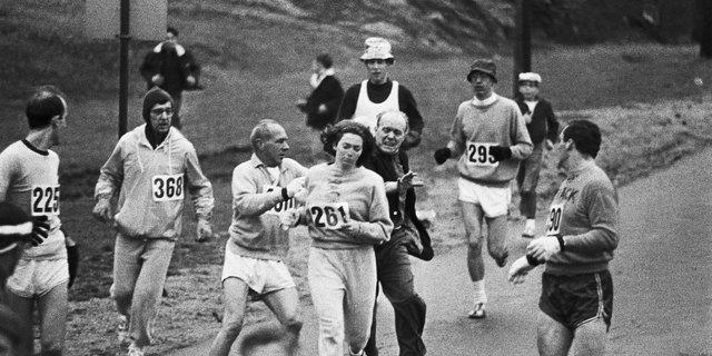 Kathrine Switzer: Maratonlardaki erkek egemenliğini yıkan kadın