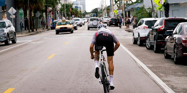 Yol bisikleti bağımlılığını gösteren 30 işaret
