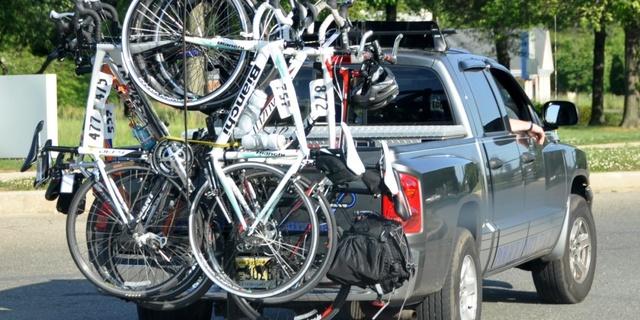 Bisiklet keyfi için araba kullanırken arkanızı kollamayı unutmayın