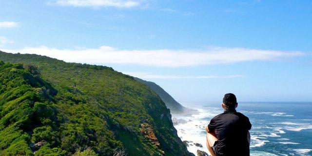 İşte manzaranın keyfini çıkaran bir maceracı