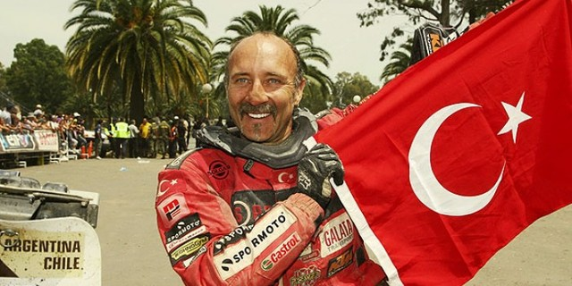 Her zaman gururla ve başarıyla temsil ettiği Türk bayrağı ile…
