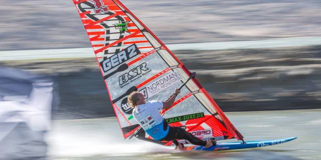 Rüzgar sörfünde dünya şampiyonlukları bulunan Alman: Gunnar Asmussen