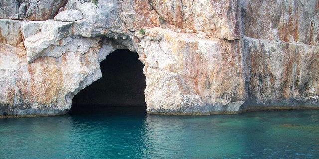Fethiye'deki sualtı mağarası yerli yabancı turistlerin merkezi oldu bile