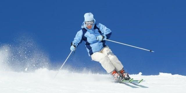 İki kayak da dönüşe aynı şekilde girmeli