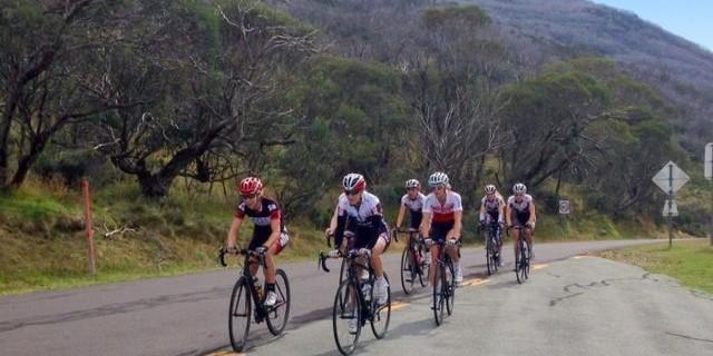 Bisiklet grupları yeni yollar öğrenmek için doğru adres