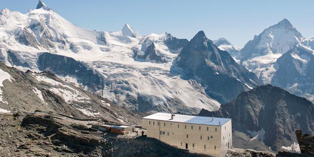 3256 metrenin soğuğundan kaçış için iyi bir sığınma noktası