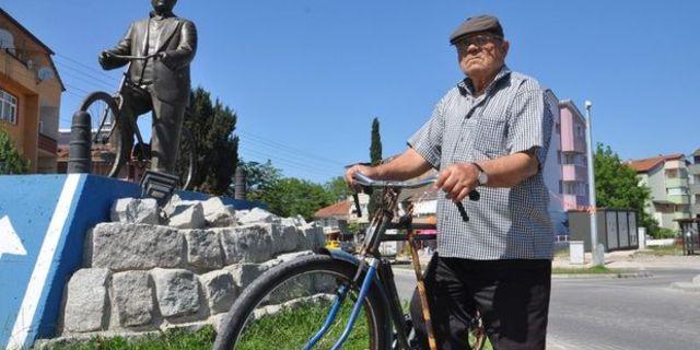 Karşınızda 52 yıldır bisiklete binen adam: