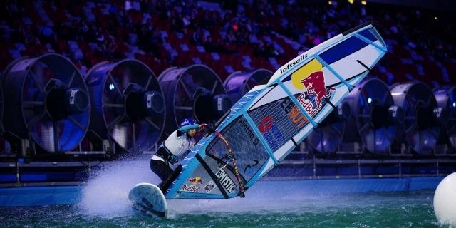 Lena'nın en büyük isteği farklı tecrübeler yaratan windsurfe ilgiyi arttırmak.