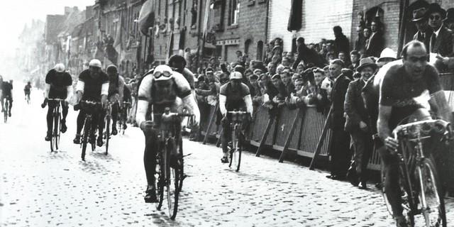 Magni'nin damgasını vurduğu Tour of Flanders'tan bir kare.