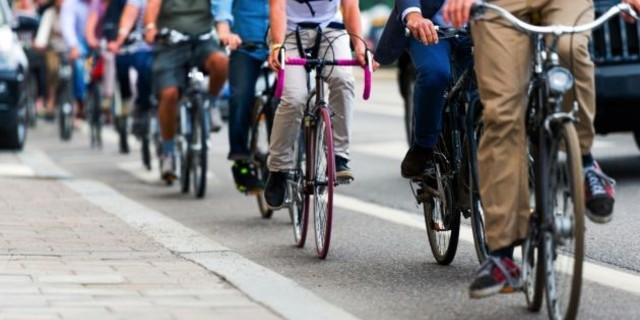 İşe koşarak mı, bisiklet kullanarak gitmek mi?