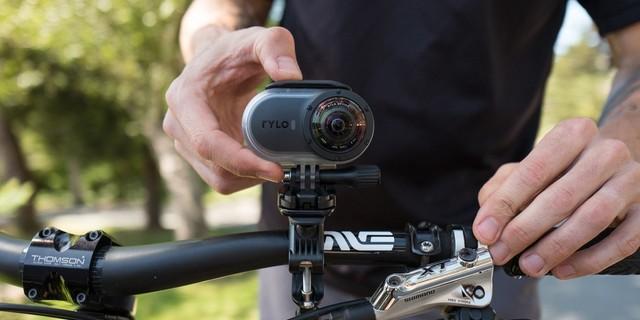 Kim bir video kamera hediyesine hayır diyebilir?