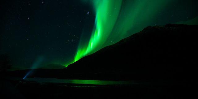 Danya, Kuzey Işıkları manzarasına bakıyor