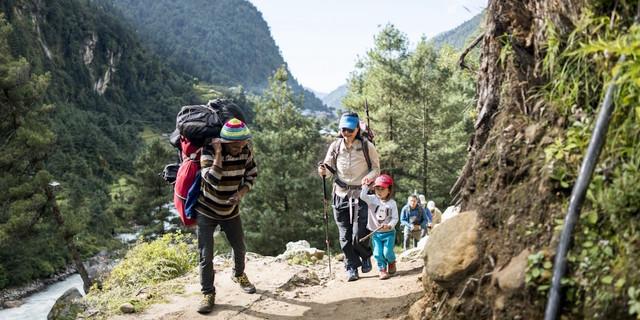 Baba-kız Everest yollarında