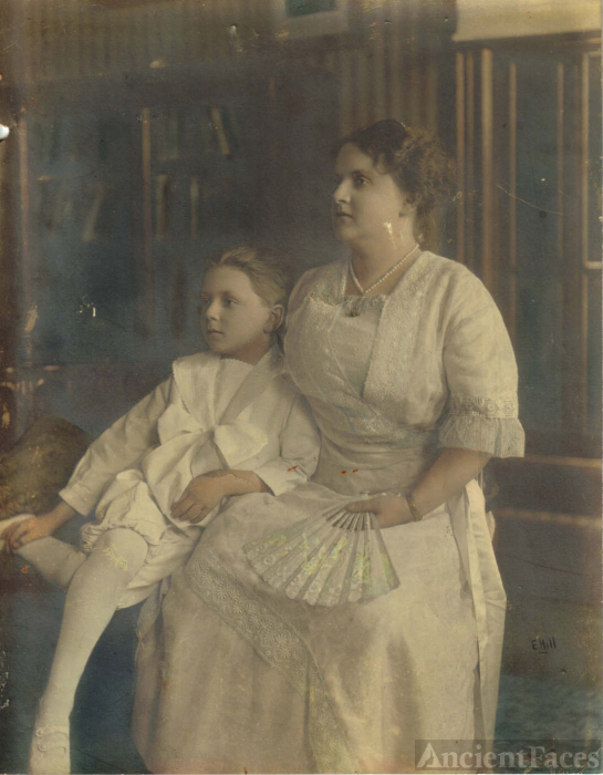 Maude Wallace Bohn wedding portrait