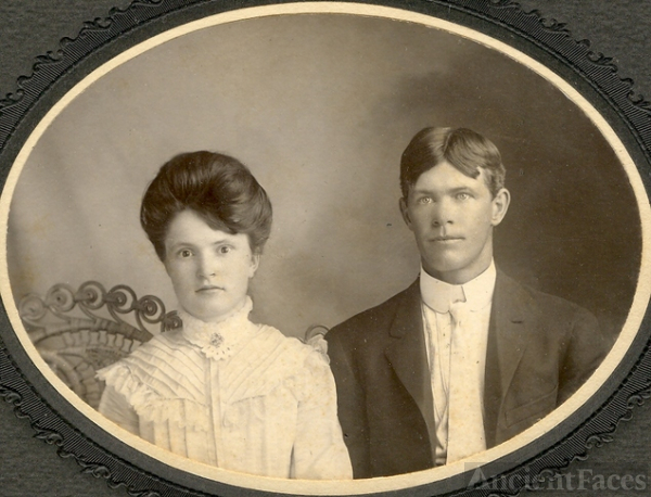 Mabel Ache & David Harclerode wedding 1905