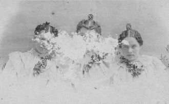 3 Unknown women from Old Sharp/West Family Trunk