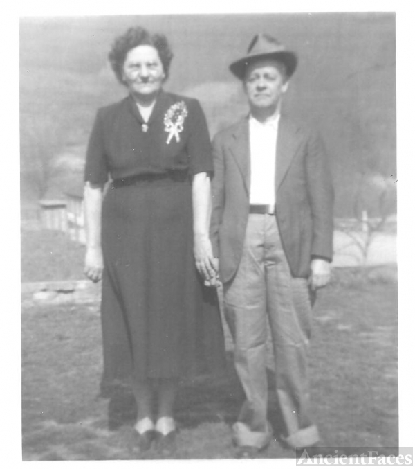 George Dimpson Nunley & Sallie Smith Nunley