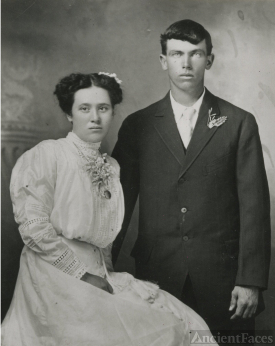 Robert Frederick Gill and Mary Marilla Tracy, Wedding photo 1911