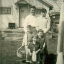 EASTER PHOTO AT.GRANDPA LAUX