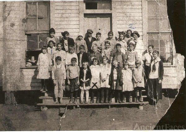 Old Woodward Rural School circa 1917