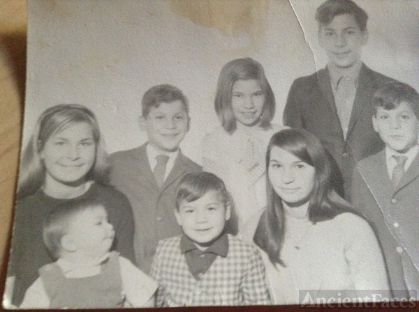 Anthony V Perosi family