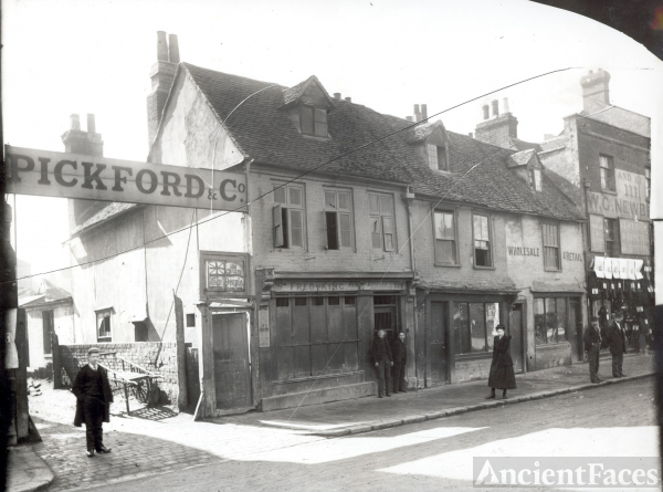 Pickford & Co. - England