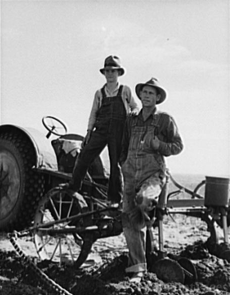 the dust bowl dirty thirties a Sebastian gisi, 95, shook his head as he recalled the dirty '30s if it wasn't the  grasshoppers, it was the dust storms, he said the great.