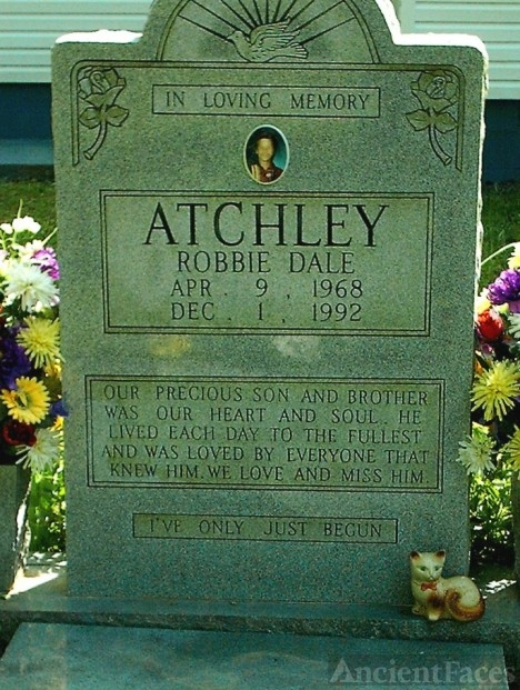Robbie Dale Atchley's gravesite  #2